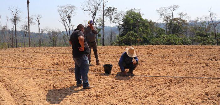 Secretaria de Agricultura Realizou Trabalhos Junto Aos Agricultores da Vicinal da Cumbica e Jaburu